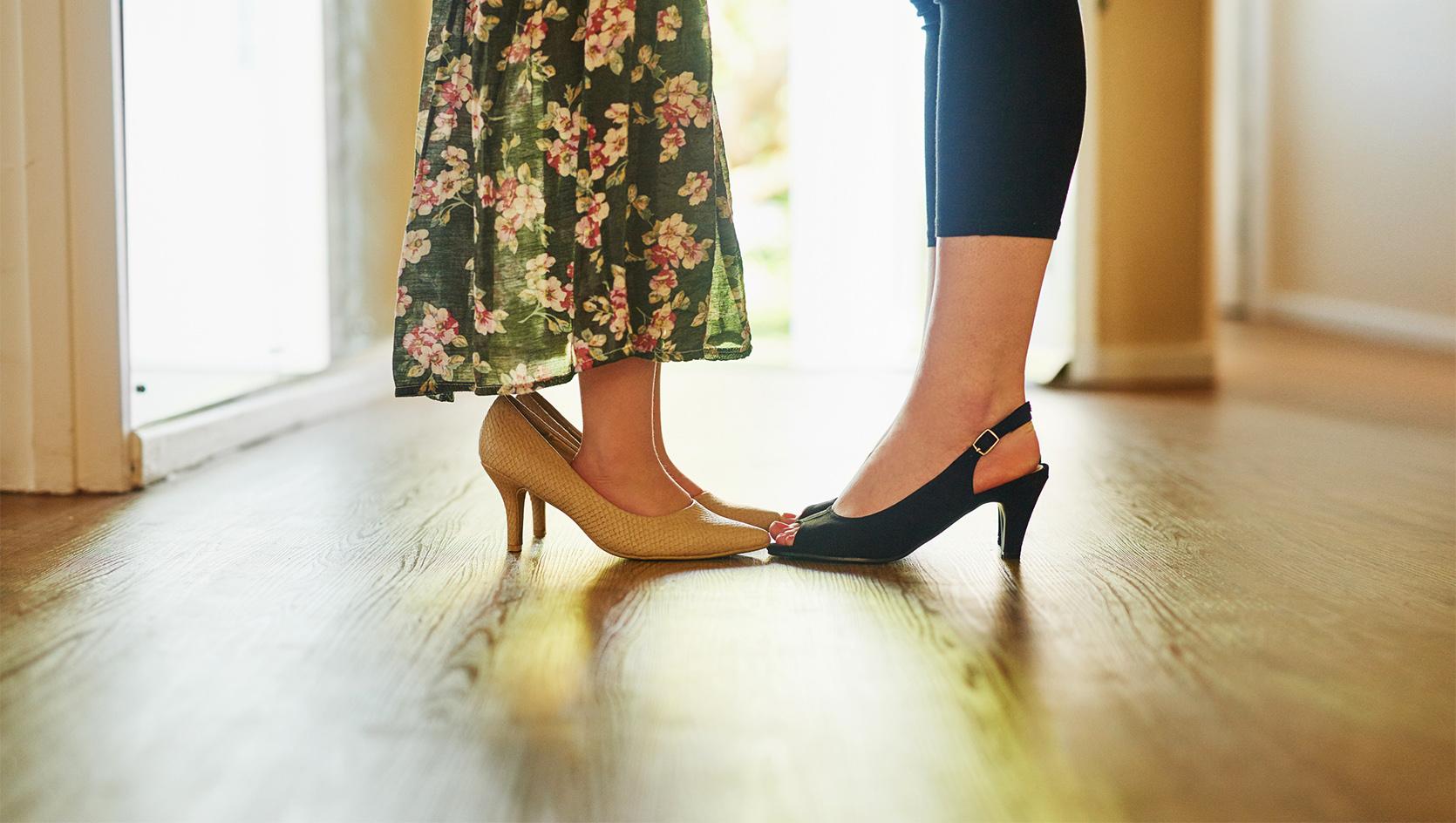 Chcę mieć buty na obcasach – czyli o tym, jakie buty na obcasie dla dziewczynki będą najlepsze?