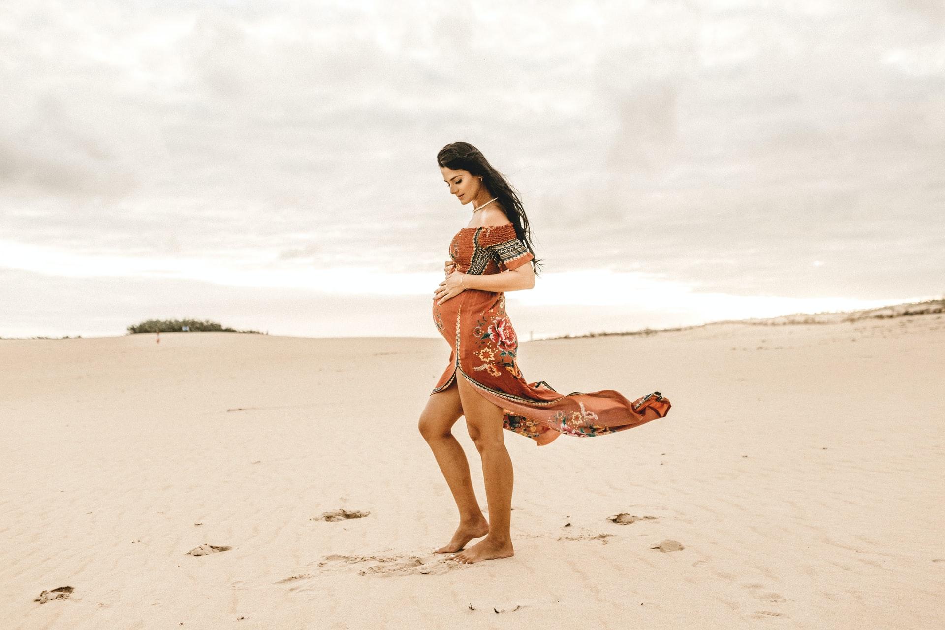 Samotność ciąży. Felieton Ewy Kalety