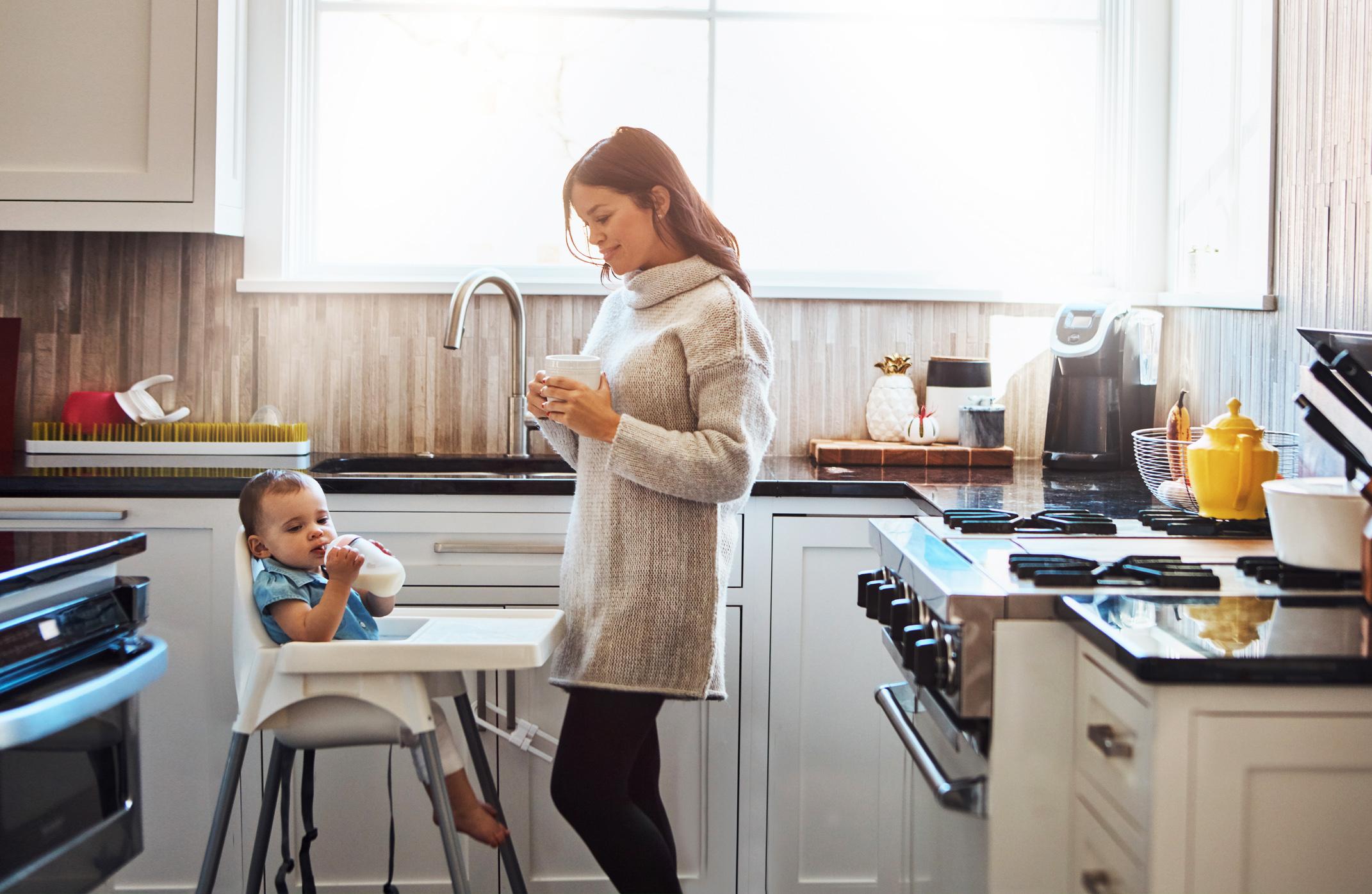 Dieta matki karmiącej. Co jeść, czego unikać, przepisy