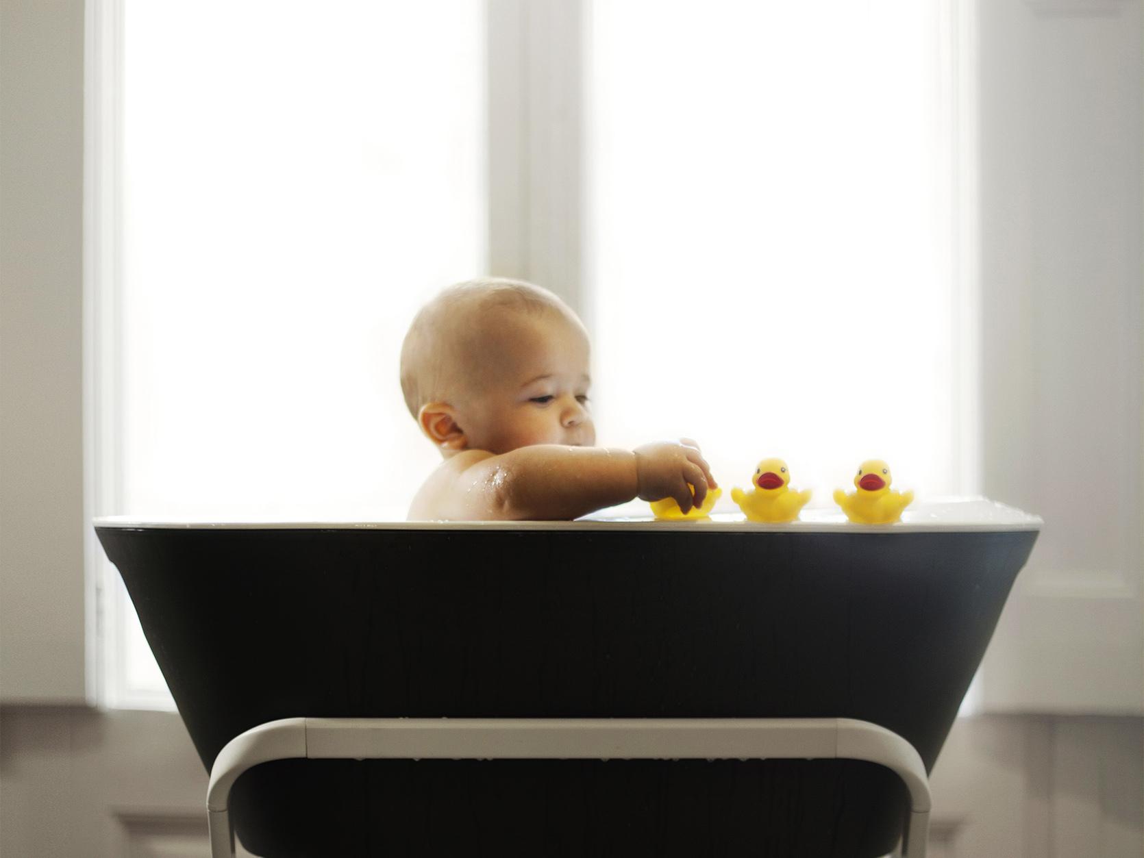 O której kąpać niemowlaka?