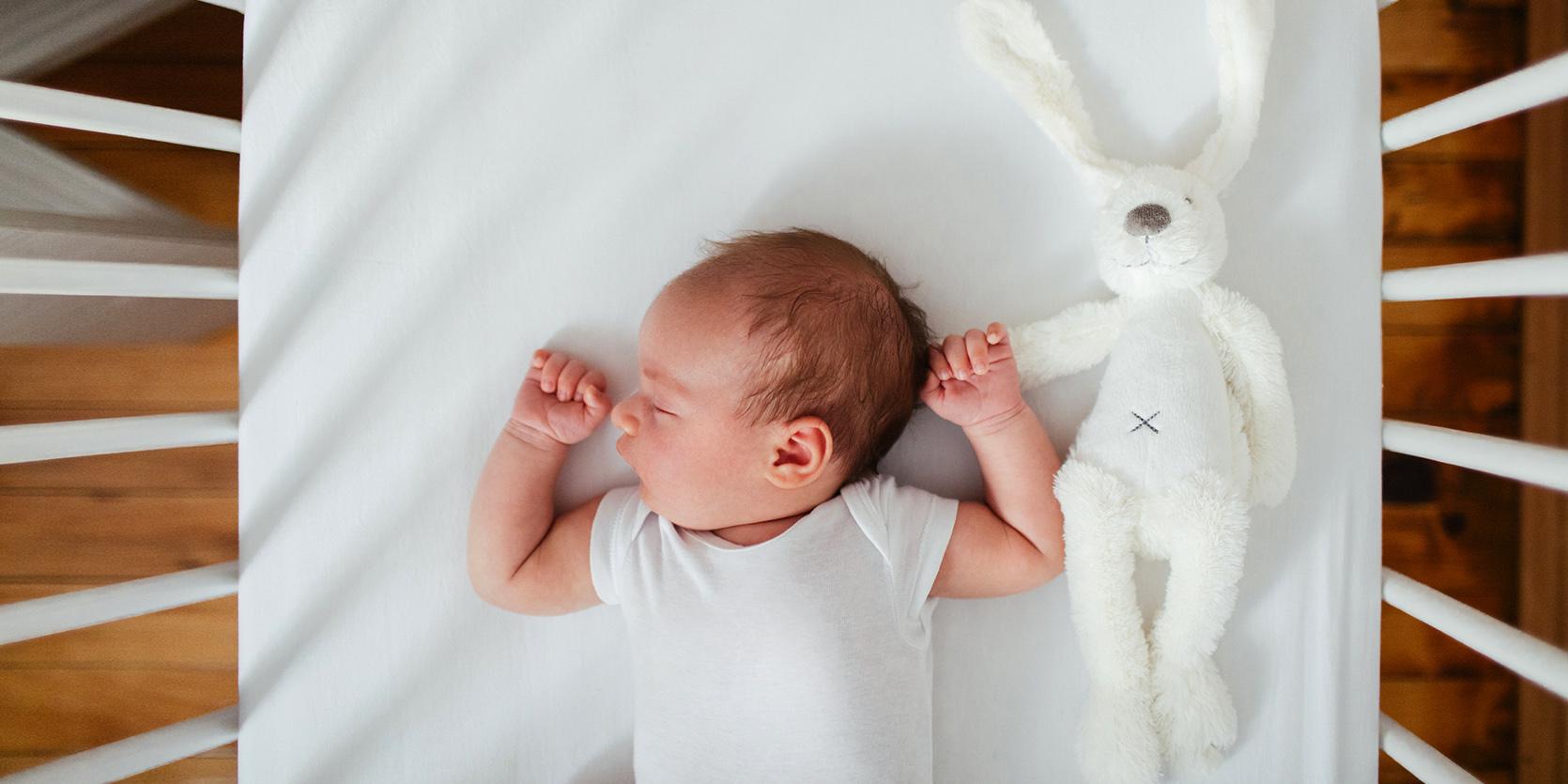 Najlepsze sposoby na usypianie niemowlaka/fot. iStock