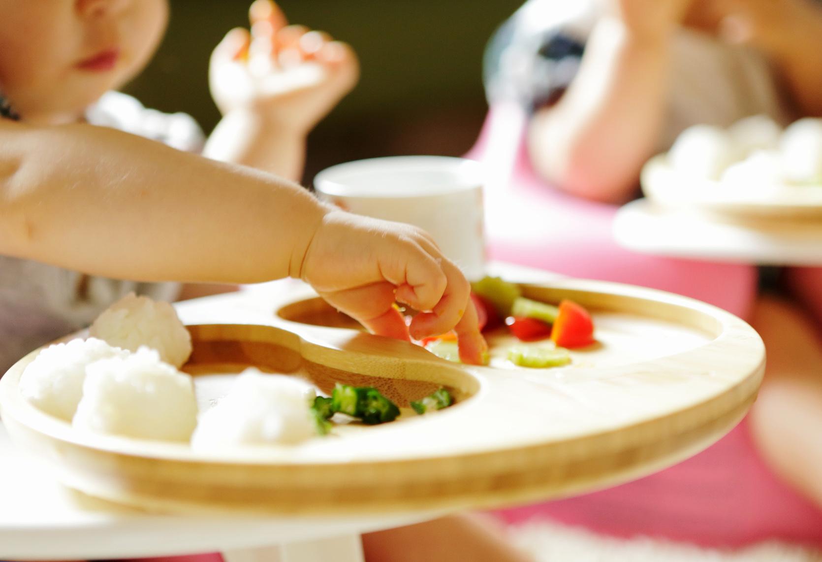Najlepsze przekąski dla niemowlaka/fot. Getty Images