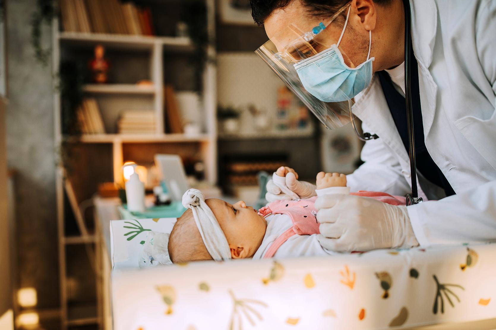 Szczepionka na rotawirusy – dlaczego warto zaszczepić dziecko?/fot. iStock