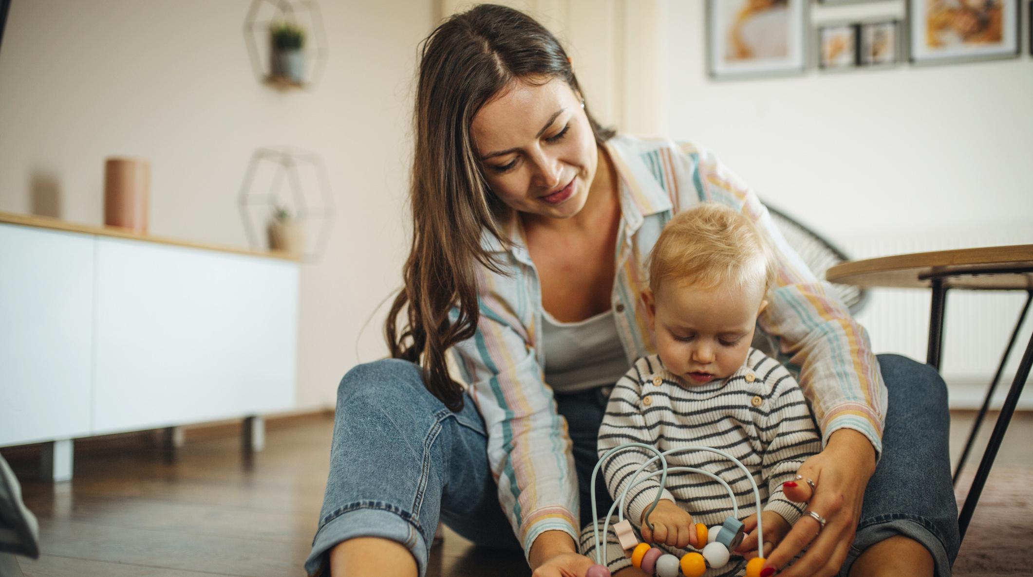 Brak witamin u dziecka – objawy/fot. iStock